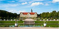 Panoramic View of Water Fountain and Weikersheim Castle, Weikersheim, Baden-Wurttemberg, Germany Stock Photo - Premium Rights-Managednull, Code: 700-06553371
