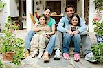 Portrait of a family Stock Photo - Premium Royalty-Free, Artist: CulturaRM, Code: 6114-06589929