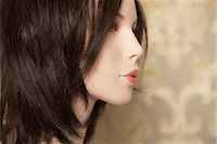 Profile of a brunette mannequin Stock Photo - Premium Royalty-Freenull, Code: 6114-06591824