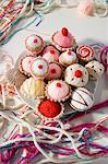Knitted cakes Stock Photo - Premium Royalty-Free, Artist: urbanlip.com, Code: 6114-06594817