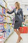 Woman in supermarket Stock Photo - Premium Royalty-Freenull, Code: 6114-06594998