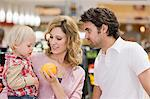 Family at supermarket Stock Photo - Premium Royalty-Free, Artist: Jose Luis Stephens, Code: 6114-06595007