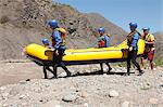 People taking raft to rapids Stock Photo - Premium Royalty-Free, Artist: Robert Harding Images, Code: 6114-06598704