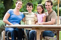 Portrait of a family Stock Photo - Premium Royalty-Freenull, Code: 6114-06610737