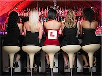five - Five women sitting at bar Stock Photo - Premium Royalty-Freenull, Code: 6114-06613380