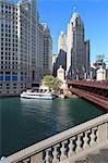 Chicago River and DuSable Bridge with Wrigley Building and Tribune Tower, Chicago, Illinois, United States of America, North America Stock Photo - Premium Rights-Managed, Artist: Robert Harding Images, Code: 841-06616667