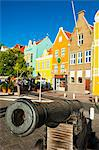 Old cannon in front of Dutch houses at the Sint Annabaai in Willemstad, UNESCO World Heritage Site, Curacao, ABC Islands, Netherlands Antilles, Caribbean, Central America Stock Photo - Premium Rights-Managed, Artist: Robert Harding Images, Code: 841-06616799