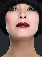 Headshot of a woman with bob hairstyle Stock Photo - Premium Royalty-Freenull, Code: 6114-06648493