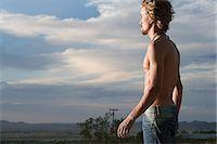 Man looking at scenery Stock Photo - Premium Royalty-Freenull, Code: 6114-06663489