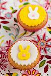 Cupcakes decorated with little hares for Easter Stock Photo - Premium Royalty-Freenull, Code: 659-06671269