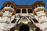 India, Rajasthan, Bundi. Hathi Pol, or elephant gate, marks the main entrance to Bundi's royal palace, one of Rajasthan's most atmospheric and evocative Rajput buildings. Stock Photo - Premium Rights-Managed, Artist: AWL Images, Code: 862-06676852