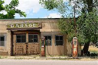rural gas station - Abandoned garage, Southern Utah,  Utah,  USA Stock Photo - Premium Rights-Managednull, Code: 862-06677605