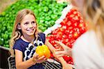 Mother and daughter in grocery store Stock Photo - Premium Royalty-Free, Artist: Blend Images, Code: 649-06717203