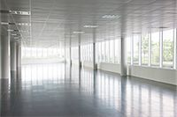 Pillars in empty office building Stock Photo - Premium Royalty-Freenull, Code: 6113-06721405