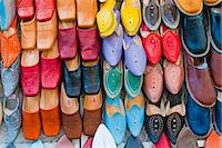 pattern (man made design) - Colourful babouche (mens leather slippers) for sale in the Marrakech souks, Place Djemaa El Fna, Marrakech, Morocco, North Africa, Africa Stock Photo - Premium Rights-Managednull, Code: 841-06804586
