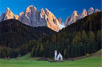 Saint Johann Church, near Saint Magdalena, Val di Funes, Dolomites, Trentino-Alto Adige, South Tirol, Italy, Europe Stock Photo - Premium Rights-Managednull, Code: 841-06805549