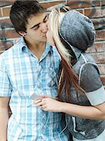 Teenagers kissing Stock Photo - Premium Rights-Managed, Artist: Photononstop, Code: 877-06833919