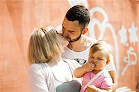 Portrait of Family Outdoors, Mannheim, Baden-Wurttemberg, Germany Stock Photo - Premium Royalty-Freenull, Code: 600-06892784