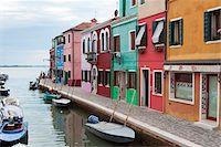 quaint house - Houses on the waterfront, Burano, Venice, Veneto, Italy, Europe Stock Photo - Premium Rights-Managednull, Code: 700-06895060