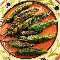pimento - Pimentos Fritos; Fried Green Chilies with Salt Stock Photo - Premium Royalty-Freenull, Code: 659-06901546