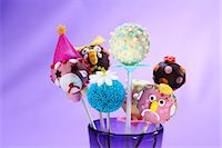 popping (bursting not corks or pimples) - Assorted cake pops for a child's party Stock Photo - Premium Royalty-Freenull, Code: 659-06903075