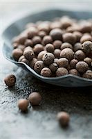 pimento - Allspice berries in a small bowl Stock Photo - Premium Royalty-Freenull, Code: 659-06903242