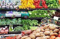 supermarket not people - Vegetables in supermarket Stock Photo - Premium Royalty-Freenull, Code: 6106-06982799