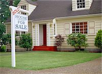 sold sign - Real estate sign indicating sold house Stock Photo - Premium Royalty-Freenull, Code: 6106-06990547