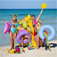 preteen girl - Family with Beach Toys Stock Photo - Premium Royalty-Freenull, Code: 6106-06990750