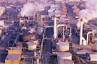 refinery - Oil refinery Stock Photo - Premium Royalty-Freenull, Code: 6106-07021267