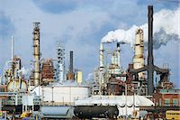 refinery - Oil refinery Stock Photo - Premium Royalty-Freenull, Code: 6106-07021284