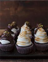 Coffee cupcakes with Irish Cream liqueur and marshmallow topping Stock Photo - Premium Royalty-Freenull, Code: 659-07028371