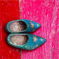 pattern (man made design) - Old clogs from Holland Stock Photo - Premium Royalty-Freenull, Code: 618-07073077
