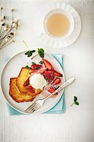 sweet   no people - Overhead View of Strawberries on French Toast with Ice Cream and cup of Tea, Studio Shot Stock Photo - Premium Royalty-Freenull, Code: 600-07110688