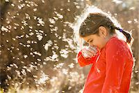 people coughing or sneezing - Girl suffering from allergies outdoors Stock Photo - Premium Royalty-Freenull, Code: 6106-07121782