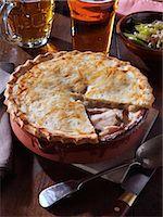 Whole chicken pie Stock Photo - Premium Rights-Managednull, Code: 824-07193927