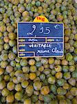 Greengages, Reine Claudes, on sale in a  food market in Ars en R̩, France Stock Photo - Premium Rights-Managed, Artist: Robert Harding Images, Code: 841-07201749
