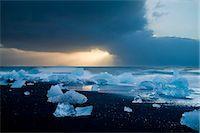 Icebergs on Beach, Jokulsarlon, Iceland, Polar Regions Stock Photo - Premium Rights-Managednull, Code: 841-07206422