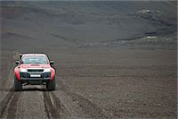 extreme terrain - Customised SUV on gravel track, Fjallabak, Iceland Stock Photo - Premium Royalty-Freenull, Code: 649-07239688