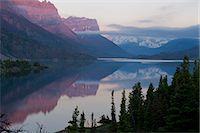 St Mary Lake, Glacier National Park, Montana, USA Stock Photo - Premium Royalty-Freenull, Code: 614-07239915