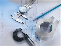 Engineering drawing with product, micrometer and calipers Stock Photo - Premium Royalty-Freenull, Code: 649-07279702