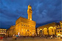 Piazza Della Signoria at night, Florence, Tuscany, Italy Stock Photo - Premium Royalty-Freenull, Code: 649-07281003