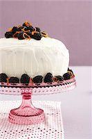 sweet   no people - Sponge Cake with Blackberries, Studio Shot Stock Photo - Premium Royalty-Freenull, Code: 600-07311285