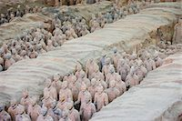 Infantry men figures in Pit 1 at Qin Museum, exhibition halls of Terracotta Warriors, Xian, China Stock Photo - Premium Rights-Managed, Artist: Robert Harding Images, Code: 841-07457190