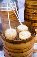 food stalls - Soup dumplings with straws for sale in the Yu Garden Bazaar Market, Shanghai, China Stock Photo - Premium Rights-Managednull, Code: 841-07457234