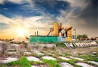 Yellow grain elevator on a concrete pedestal Stock Photo - Royalty-Freenull, Code: 400-07485907