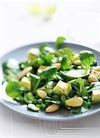 Pea,broad bean,avocado,corn lettuce and almond salad Stock Photo - Premium Rights-Managednull, Code: 825-07523019
