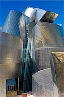 Architect Frank Gehry's Guggenheim Museum futuristic architectural design in titanium and glass at Bilbao, Basque country, Spain Stock Photo - Premium Rights-Managednull, Code: 841-07523720
