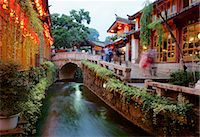 Early evening street scene in the Old Town, Lijiang, UNESCO World Heritage Site, Yunnan Province, China, Asia Stock Photo - Premium Rights-Managednull, Code: 841-07524079