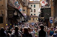 quaint house - Crowds cross the Ponte Vecchio from the north side of the River Arno, Florence, Tuscany, Italy Stock Photo - Premium Rights-Managed, Artist: Robert Harding Images, Code: 841-07540573